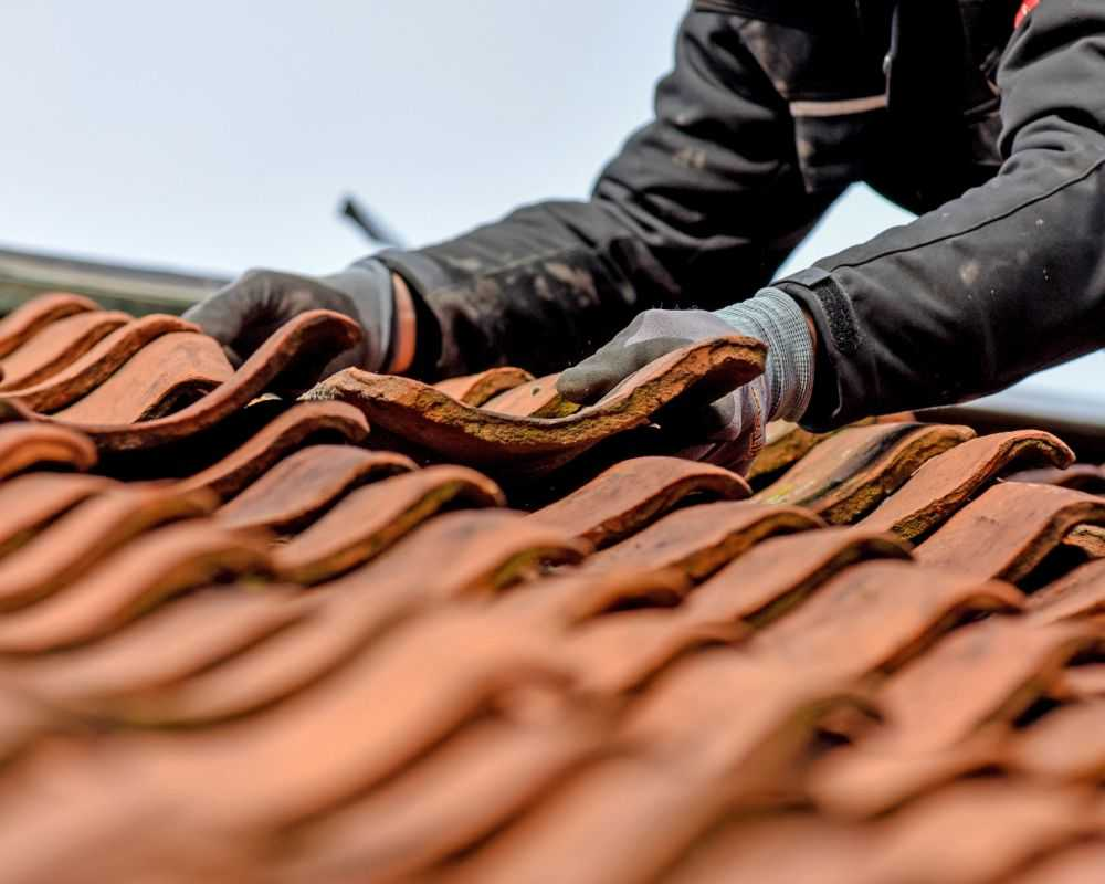 roof repairs service huntingdon